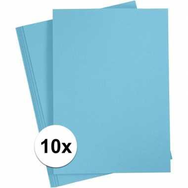 10x lichtblauw kartonnen vel a4