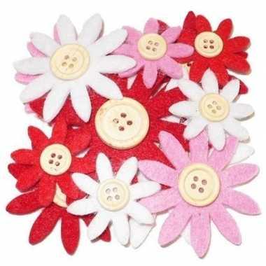 12 stuks gekleurde hobby bloemen rood/wit/roze van vilt met houten kn