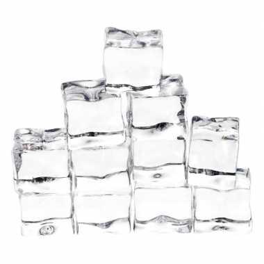 12x ijs/sneeuw thema decoratie neppe ijsklontjes