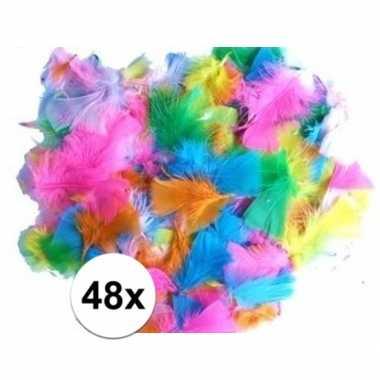 48 knutsel veertjes vrolijke kleuren