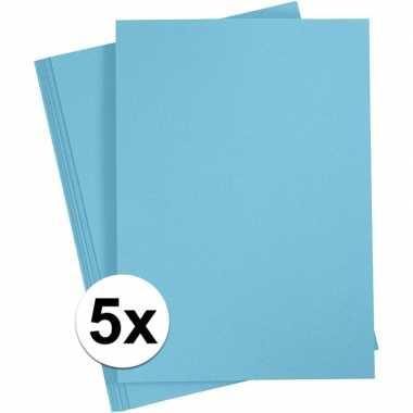 5x lichtblauw kartonnen vel a4