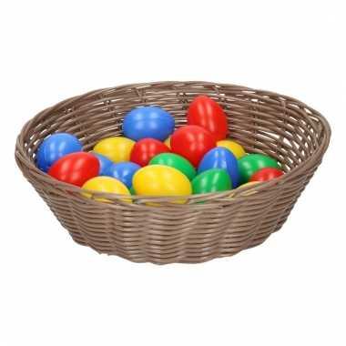 Licht bruin mandje met gekleurde eieren 25 cm