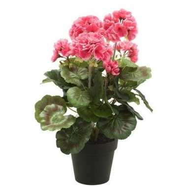 Roze kunstplant geranium plant in pot