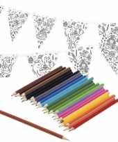 Verjaardag slinger vlaggenlijn om in te kleuren met potloden voor kinderen